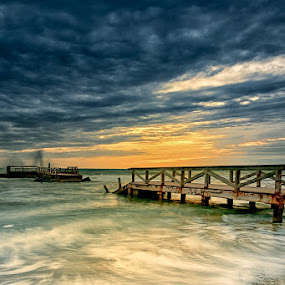 Broken by Fabio Ponzi - Landscapes Waterscapes ( water, sand, sky, wood, waves, sunset, cloud, sea, pier )