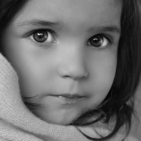 bwwinter scarf by Julian Markov - Black & White Portraits & People