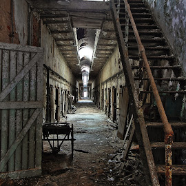Eastern State Cell Block by Benjamin Boynton - Buildings & Architecture Decaying & Abandoned ( eastern state penitentiary, prison, philadelphia, decaying )