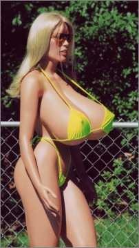 Für eine schöne weibliche Oberweite darf es schon eine Brust-OP sein.