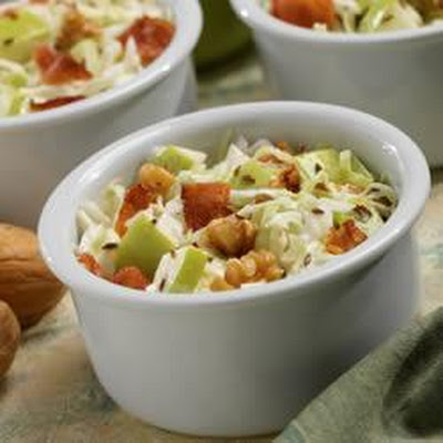 Marzetti® Apple Bacon Walnut Salad