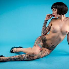 beckys tattoos by Paul Phull - Nudes & Boudoir Artistic Nude ( body, art nude, wig, tattoos, heels )