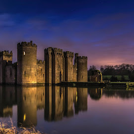 Bodiam Castle by Sergiusz Rydosz - Buildings & Architecture Public & Historical ( sky, bodiam castle, night, castle, light )