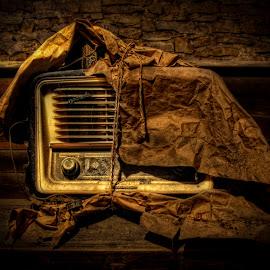 Rock´n´Roll Radio by Aitor Arana Arruti - Artistic Objects Technology Objects (  )
