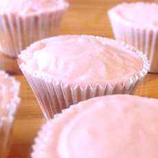 Strawberry Milkshake Cupcakes *Gluten-free and Lactose-free*