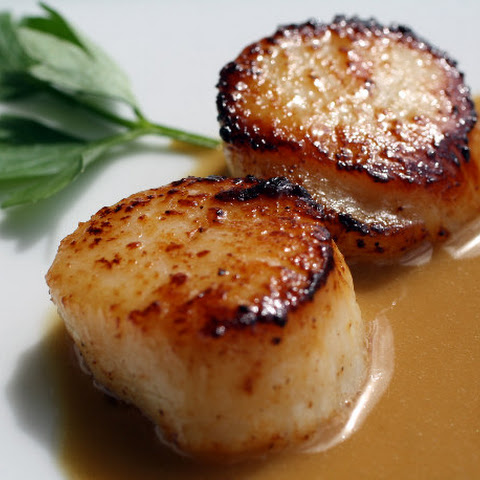 Seared Scallops with Espresso Beurre Blanc