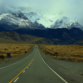 My Place in the World by LoRe ARG Mirando Vidrieras Virtuales - Landscapes Mountains & Hills ( field, mountain, patagonia, route, snow, trail, trekking, travel, chalten, travel photography, travel locations,  )