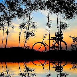 nggabur by Wartono Kumpulono - Transportation Bicycles