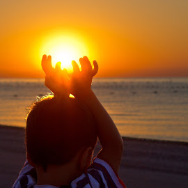 Holding the light by Cristian Barleanu - Babies & Children Hands & Feet ( hands, hold, light, sun )