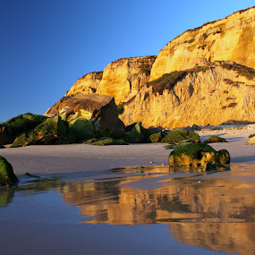 Golden rocks by Gil Reis - Landscapes Beaches ( water, beaches, nature, sea, places, travel, portugal, rocks )