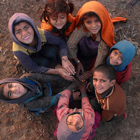 Nomad Kids by Sheraz Mushtaq - Babies & Children Children Candids ( pakistan, winter, lahore, children, kids, nomads, nomad )