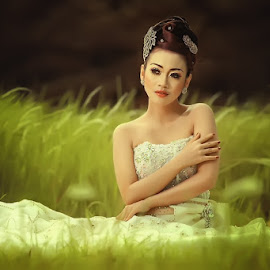 by Alwan Tafsiri - Wedding Bride