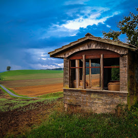 Used to Be... by Bruno Soares - Buildings & Architecture Other Exteriors ( little, autumn colors, house, fields, abandoned,  )