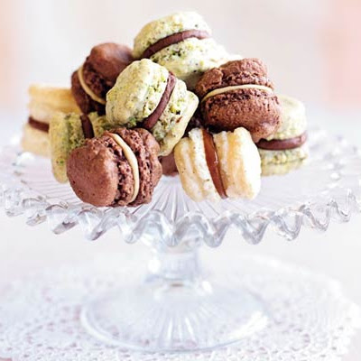 Mini Pistachio & Chocolate Macaroons