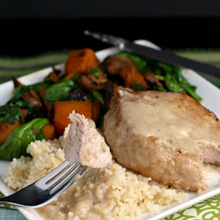 Pork Chops with Easy Milk Gravy