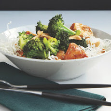 Chicken & Broccoli with Crispy Noodles