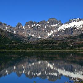 Perfect reflex by LoRe ARG Mirando Vidrieras Virtuales - Landscapes Waterscapes ( mirror, mirrored reflections, mountains, laguna, lagoon, patagonia, landscape, reflexion, reflex,  )