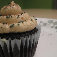 Dangerously Delicious Dark-Chocolate Bailey's Cupcakes W. Frosti