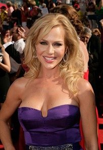 julie-benz-