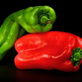 RED HOT PEPPER SEX by Jose Ravelo - Food & Drink Fruits & Vegetables ( peppers, still life, vegetables, olevar,  )
