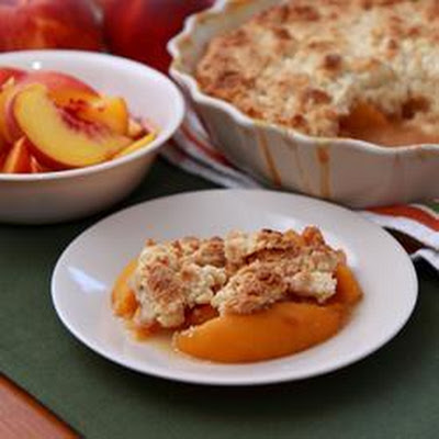 Cinnamon Spiced Peach Cobbler