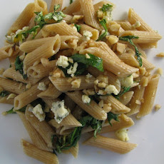 Whole Wheat Pasta with Arugula, Gorgonzola, and Walnuts