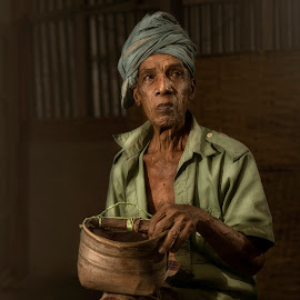 ::POK SOH:: by Firdaus Zulkefili - People Portraits of Men ( #heritage #culture #people #job #work #lifestyle, culture )