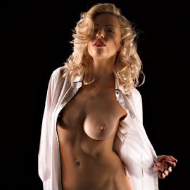 Zara by Adriaan Oosthuizen - Nudes & Boudoir Artistic Nude ( nude, blond, artistic nude )
