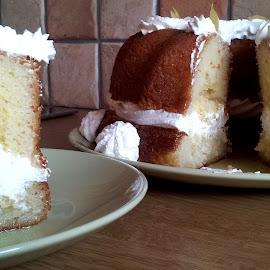 Savarin au rhum by Νικόλας Καλλιανιώτης - Food & Drink Candy & Dessert