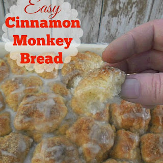 EASY CINNAMON MONKEY BREAD