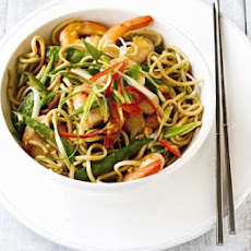 Prawn Noodles With Peanut Dressing