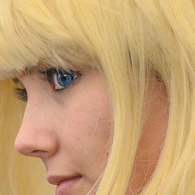 la belle Blonde by Serge Thonon - People Portraits of Women ( weckparis2014,  )