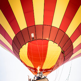 Ballooning by Harrie van der Meer - News & Events Entertainment ( harrie van der meer fotogrfie, red, event, ballooning, yellow, balloon, photography, flame )