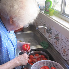 Nonna's Fresh Tomato Sauce For Pasta