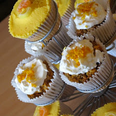 Low Sugar Carrot Cake Muffins