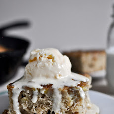 Upside Down Caramelized Banana Bread Skillet Cake