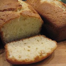 Moist Lemon Yoghurt Cake