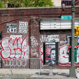 NYC Corner by Rob Kovacs - Novices Only Street & Candid