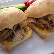 Grilled Chicken Sliders With Apricot Chutney Spread