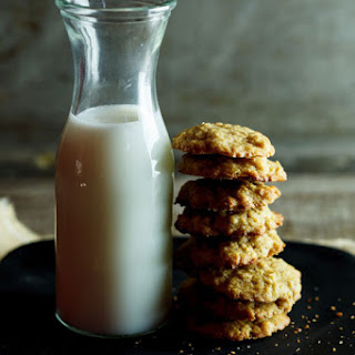 Oat Cookie Sandwiches With Spiced Cream Filling