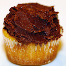 Vanilla Cupcakes with Chocolate Frosting
