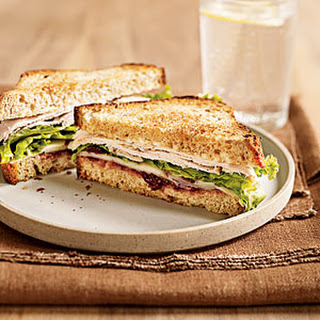Turkey Sandwich With Spicy Cranberry Spread