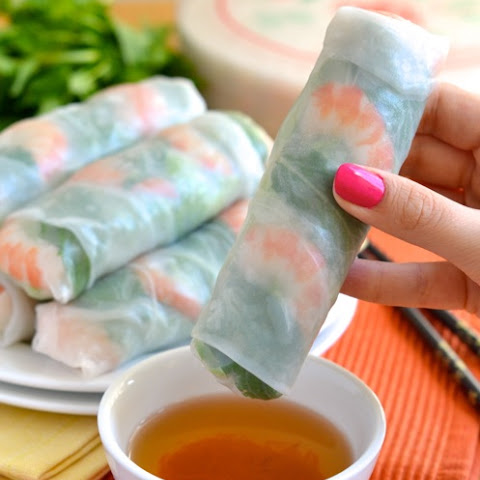 How to Make Vietnamese Fresh Spring Rolls - Step by Step