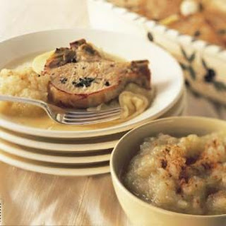Apple-Roasted Pork Chops with Roast Applesauce