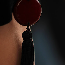 The red ....detail by S MC - Artistic Objects Clothing & Accessories