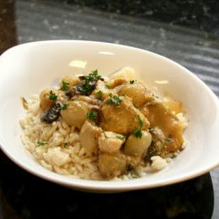 Chicken With Pearl Onions and Mushrooms, Slow Cooker