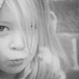 Annie 10 by Kelly Murdoch - Babies & Children Child Portraits ( child, uk, girl, female, tones, bw, enghland, mono, ztam )