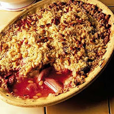 Rhubarb & Strawberry Crumble With Custard