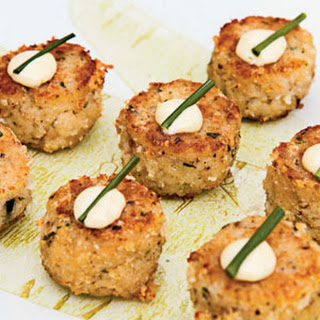 Maine Crab Cakes with Lime Aïoli