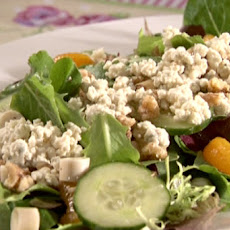 Mixed Greens with Mandarin Oranges and Walnuts